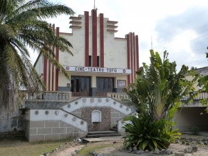 Cine_Teatro_Tofo_in_Inhambane